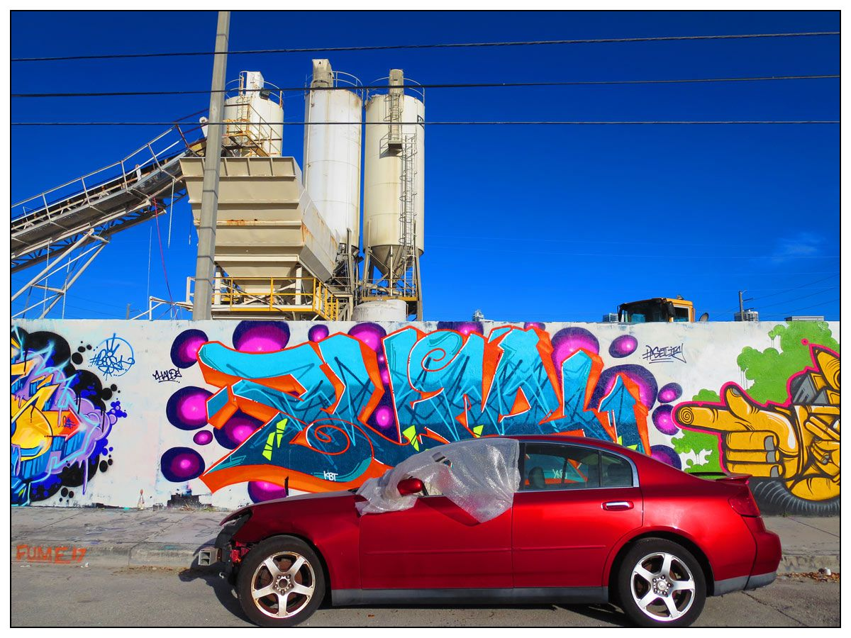 img_2710-red-car-miami-small-with-frame