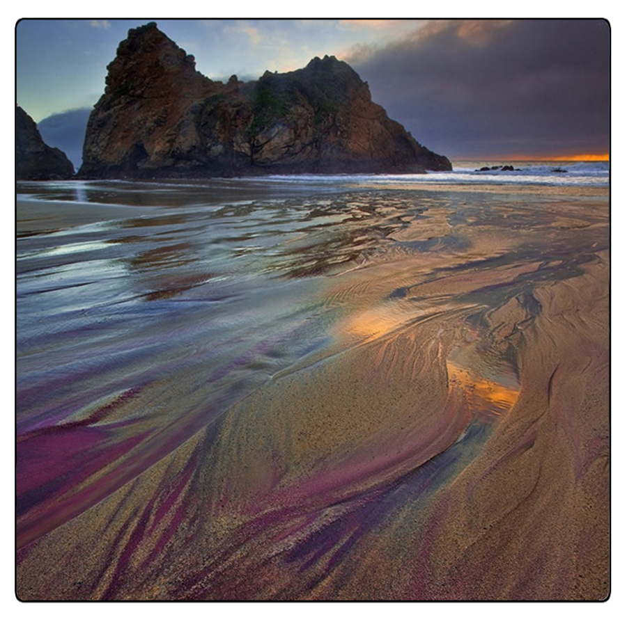 Fenomeni colorati sulla Pfeiffer Beach, California